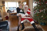 BarbySlut. Barby & Naughty Santa Free Pic 7