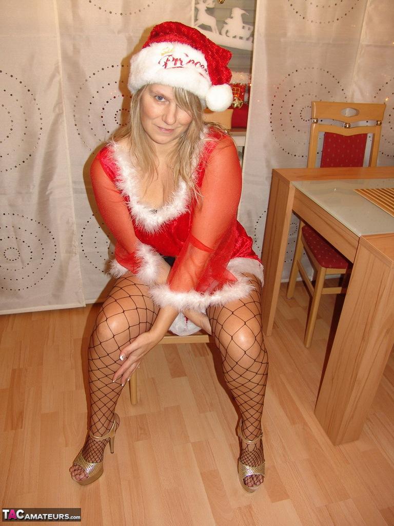Susi (Cologne) en Mère-Noël sexy