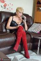 Dimonty. Boots & Vaping Free Pic 4