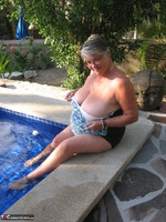 GirdleGoddess. Butt Naked In The Swimming Pool Free Pic 3