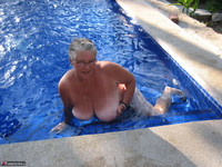 GirdleGoddess. Butt Naked In The Swimming Pool Free Pic 19