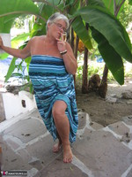 GirdleGoddess. Smoking! Free Pic 1
