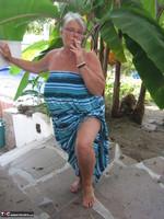 Girdle Goddess. Smoking! Free Pic 2