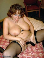 Curvy Claire. Claire & Mellons Marie Play On The Bed Pt2 Free Pic 14