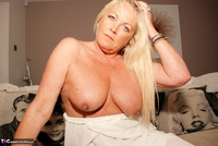 JessicasHoneyz. Naughty Nicky Lady In White Pt1 Free Pic 10