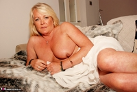 JessicasHoneyz. Naughty Nicky Lady In White Pt1 Free Pic 17