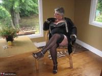 Girdle Goddess. Killer Heels Free Pic 2