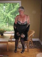 Girdle Goddess. Killer Heels Free Pic 6