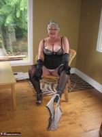 Girdle Goddess. Killer Heels Free Pic 12