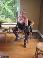 Girdle Goddess. Killer Heels Free Pic 15