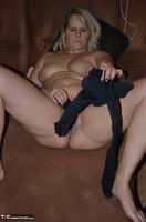 Sweet Susi. Pantyhose Stuffing Free Pic 4