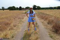 BarbySlut. Barby Follows The Yellow Brick Road Free Pic 1