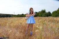 BarbySlut. Barby Follows The Yellow Brick Road Free Pic 11