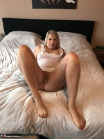 SweetSusi. Extreme Hairy Pussy Free Pic 4