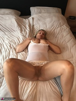 SweetSusi. Extreme Hairy Pussy Free Pic 6