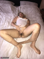 SweetSusi. Extreme Hairy Pussy Free Pic 9