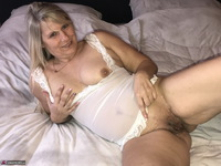 SweetSusi. Extreme Hairy Pussy Free Pic 12