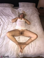 SweetSusi. Extreme Hairy Pussy Free Pic 19