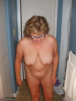 BustyBliss. Balloons Boobs Bath & Boy Toy Free Pic 5
