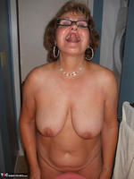 BustyBliss. Balloons Boobs Bath & Boy Toy Free Pic 6