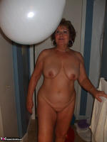 BustyBliss. Balloons Boobs Bath & Boy Toy Free Pic 11