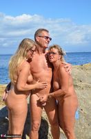 SweetSusi. Hot Threesome On The Beach Free Pic 3