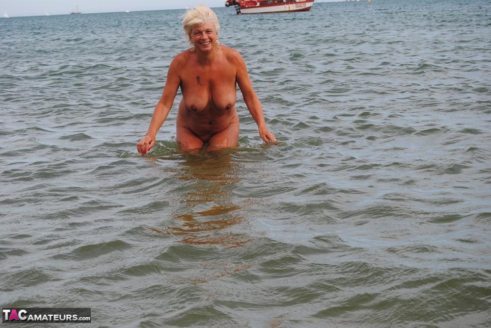 nichons amatrice mature plage