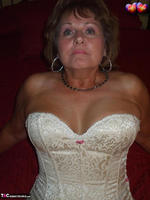 BustyBliss. Cream Embriodered Busty Corset Free Pic 3