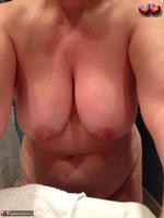 BustyBliss. Take A Shower With Me Free Pic 2