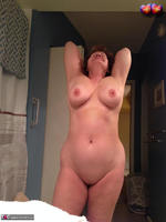 BustyBliss. Take A Shower With Me Free Pic 3