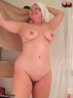 BustyBliss. Take A Shower With Me Free Pic 13