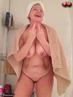 BustyBliss. Take A Shower With Me Free Pic 15