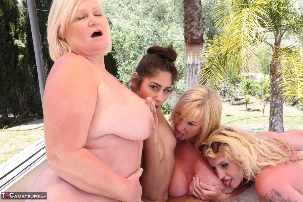 Lesbial sexual orgy vides