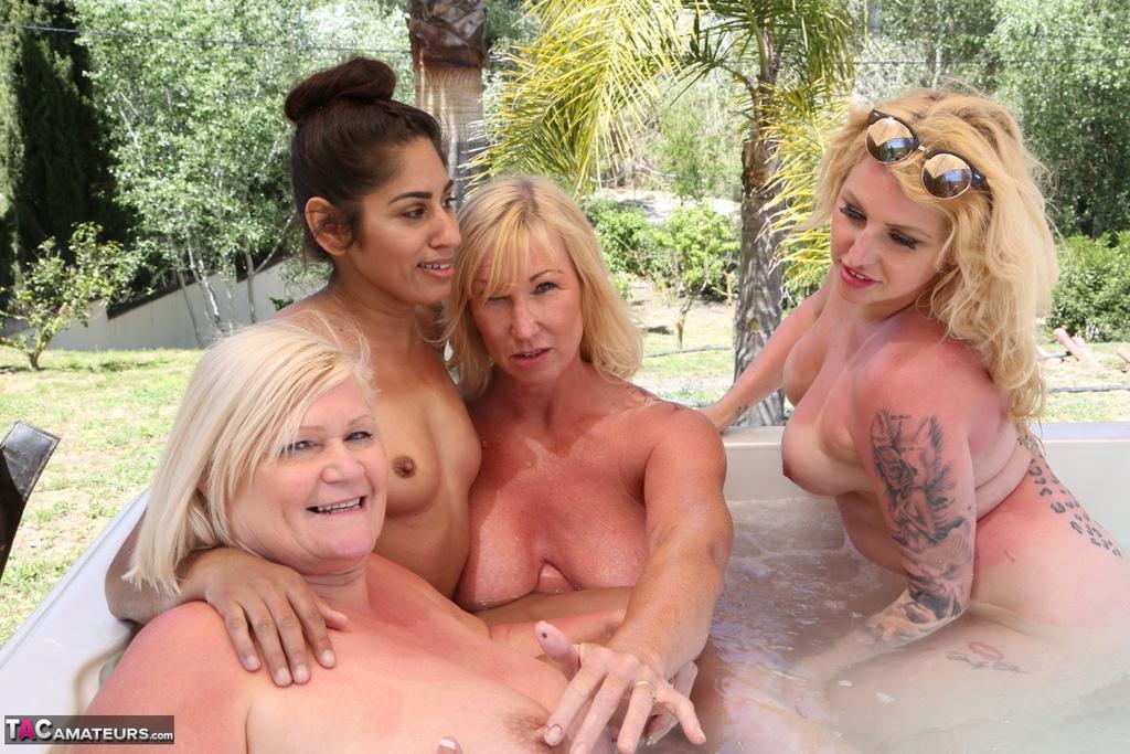 Lesbo Hot Tub Orgy Pt3 Free Pic 18 ...
