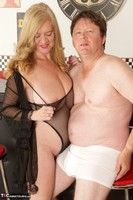 Lily May. Lily & Trickee Dickee Free Pic 4