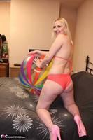 Tracey Lain. Beach Ball Free Pic 2