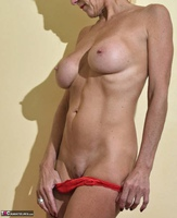 Molly MILF. Best Of Molly's Poses Free Pic 11