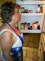 . Cooking Apron Free Pic 1