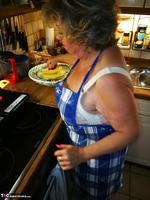 . Cooking Apron Free Pic 6