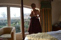 Barby Slut. Spotty Dress Free Pic 9