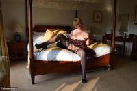 Barby Slut. Spotty Dress Free Pic 10