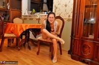 Diana Ananta. Dinner Table Free Pic 3