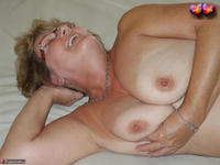 Busty Bliss. Golden Busty Bliss Free Pic 15