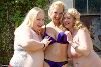 Molly MILF. Three Girl Fun In The Garden Free Pic 18