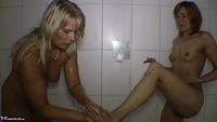 Sweet Susi. Clean Feet Free Pic 5