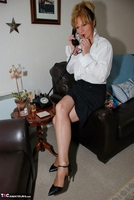Jessicas Honeyz. Sexy Secretary Sue Pt1 Free Pic 1