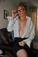 Jessicas Honeyz. Sexy Secretary Sue Pt1 Free Pic 7
