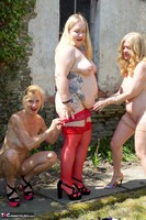Molly MILF. Three Girl Fun In The Garden Pt2 Free Pic 4