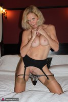 Molly MILF. Having Fun In A Boudoir Hotel Free Pic 9