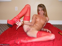 Kiss Alissa. Lady In Red Free Pic 10